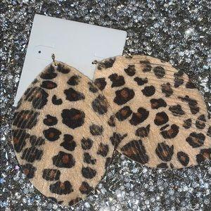 🐆 leopard print fringe earrings 🐆
